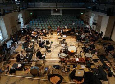 Orquesta boliviana lleva más de dos meses confinada en un castillo alemán