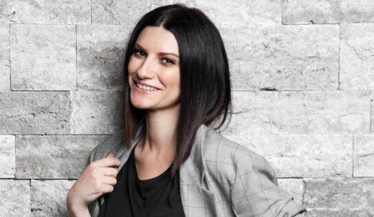 """La historia detrás de """"Yo soy, la canción que le dio a Laura Pausini su primer Globo de Oro"""