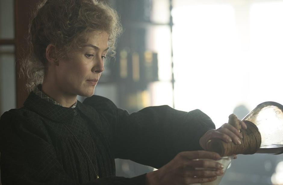 Estrena Netflix Madame Curie; Madre de la Física Moderna
